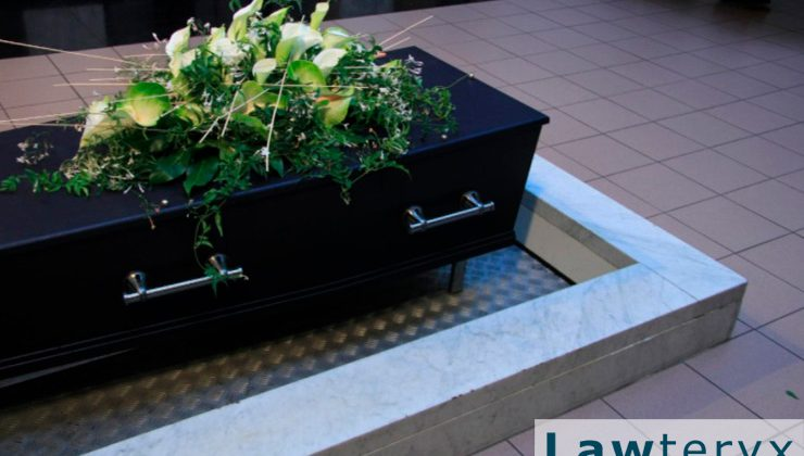 Who files wrongful death suit in Florida